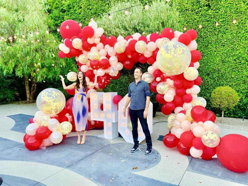 The Balloon Guy specializes in stunning Balloon Decor.